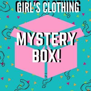 18m Girl's mystery box 16 items